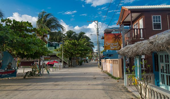 Downtown Caye Caulker am Morgen